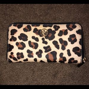 Tory Burch Robinson Leopard print full size wallet